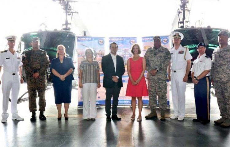 EEUU dona a Panamá helicópteros para reforzar la seguridad fronteriza