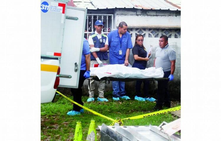 Seguridad se suicida metiéndose un balazo en la cabeza en Veraguas