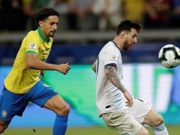 """Tite: """"Para neutralizar a Messi, que es un extraterrestre, había que cambiar"""""""