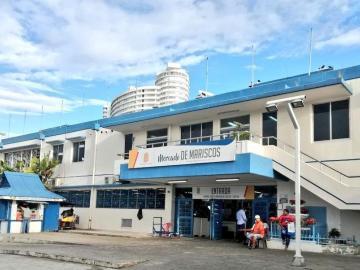Mercado del marisco cierra por limpieza