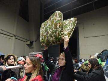 Más de 100 personas durmieron bajo las tribunas del estadio de River