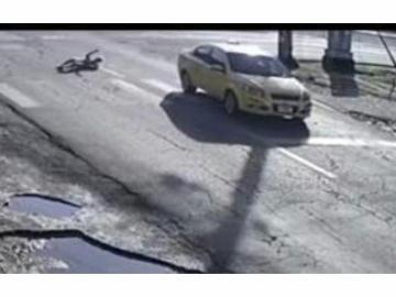Taxista supuestamente ebrio atropella a señora