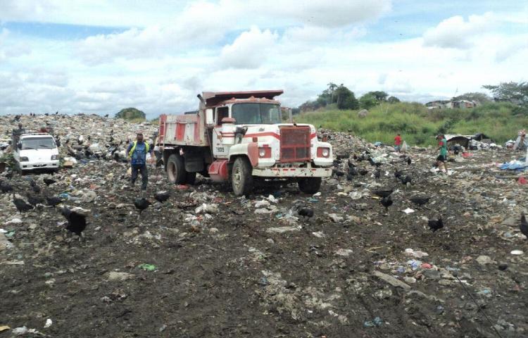 Tienen la misión de resolver el problema de la basura en Bugaba