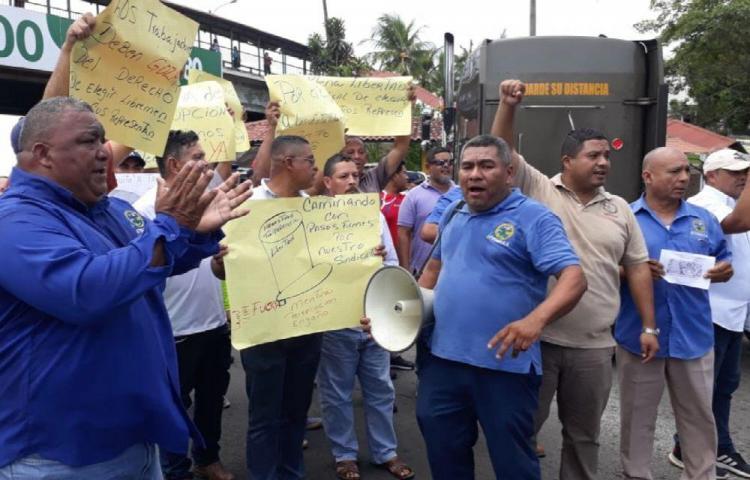 Taxistas de Arraiján exigen nueva directiva