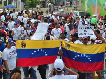 Chilenos comunistas dicen que informe sobre Venezuela no es parcial