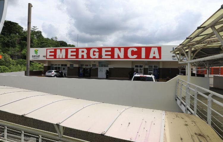 Por una colisión lo rellenan con 8 tiros y muere en el hospital