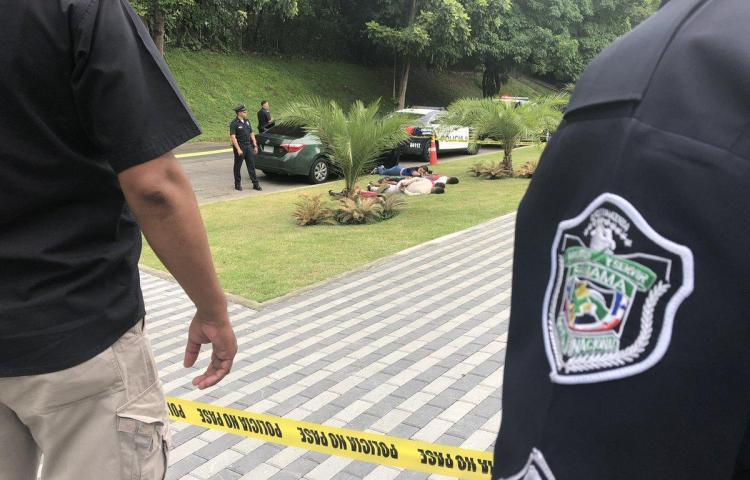 Capturan a 5 personas tras persecución en la Calzada de Amador