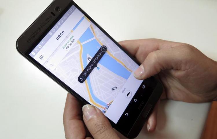 """Uber lanza """"confort"""", que permite al pasajero viajar sin tener que conversar"""