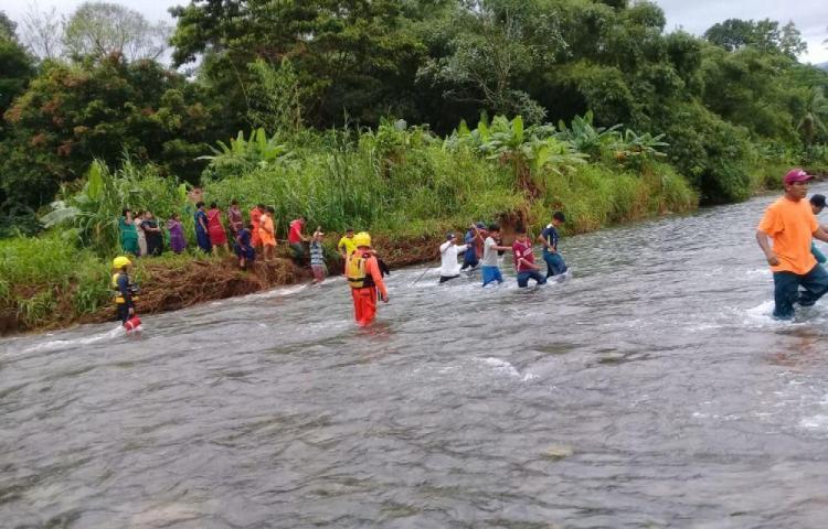 Rescatan a cuatro menores en la comarca Ngäbe