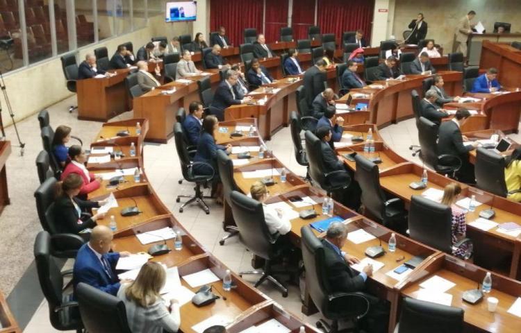Tras dos semanas, las comisiones podrían instalarse desde hoy