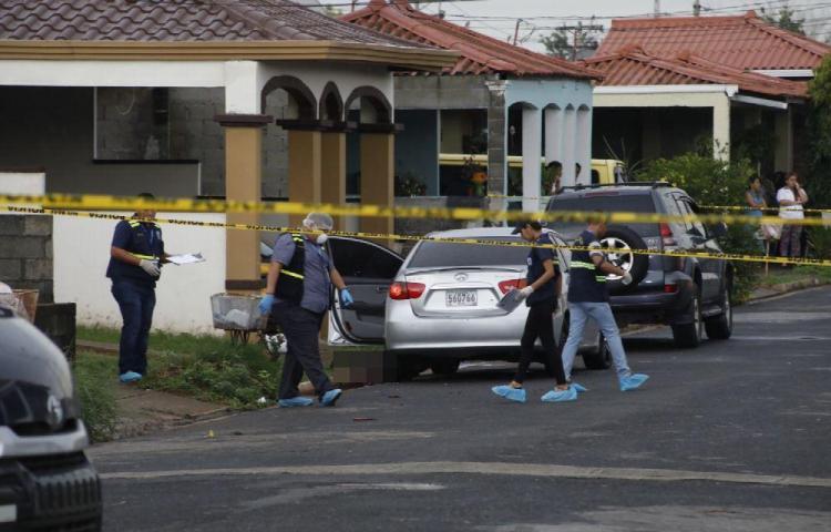 Con 26 tiros pareja es ejecutada en Tocumen
