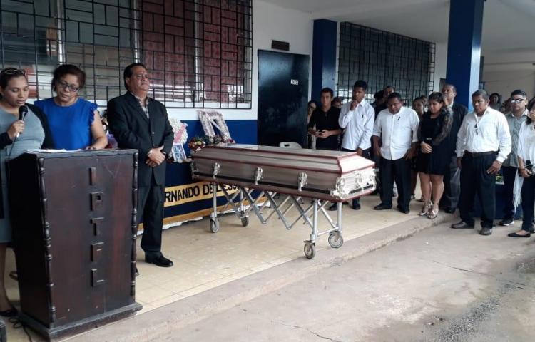 Compañeros y profesores despiden a la estudiante asesinada en Arraiján