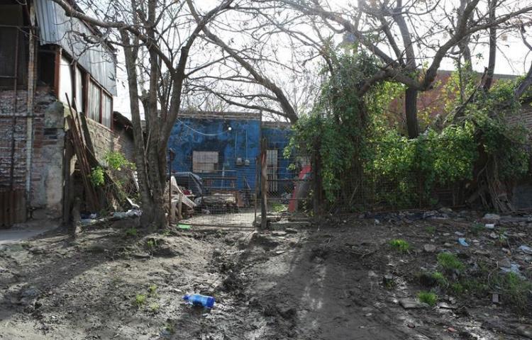El barrio de la infancia de Maradona, donde vivir es una actividad de riesgo