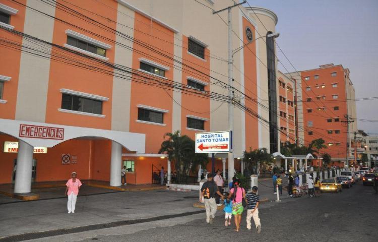 Ministra de Salud logra acuerdo que pone fin a paro laboral en el HST
