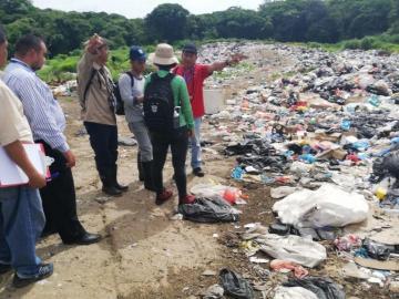 Temen contaminación del río La Villa en Azuero