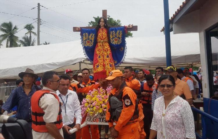 Santeños buscan a la santa Librada