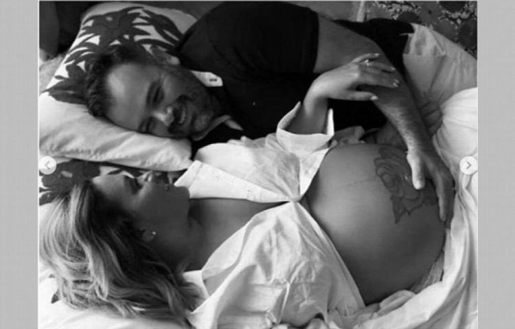 Cantante Yudi Villamonte espera otro bebé