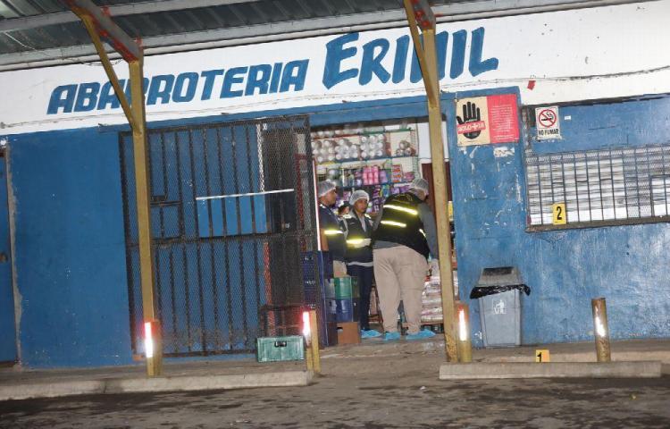 Le meten tres plomazos a paisano en Calzada Larga y muere en hospital de Colón