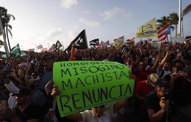 Esto es lo que dicen los chats que han puesto en jaque al gobernador de Puerto Rico