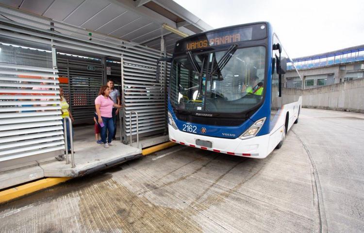 Metrobús acaba con la vida de un humilde panameño