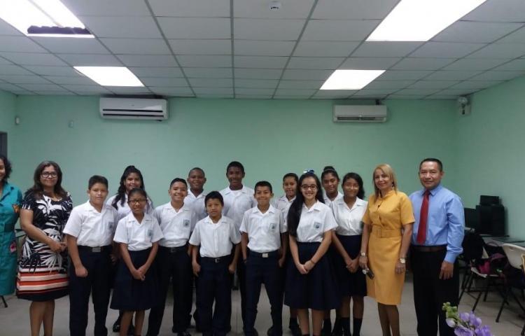 Concurso de Excelencia Educativa en la escuela San José de Bernardino