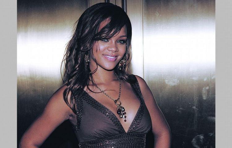 Rihanna alquila su mansión en $35 mil por mes