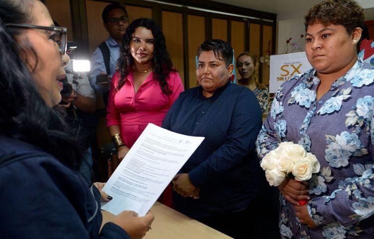 Guayaquil acoge la primera boda entre personas del mismo sexo en Ecuador