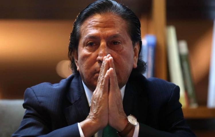 Expresidente Toledo llega ante juez de EEUU que decidirá si lo deja libre