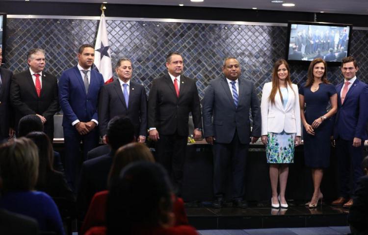 La Comisión de Credenciales ratificará a 5 funcionarios por día