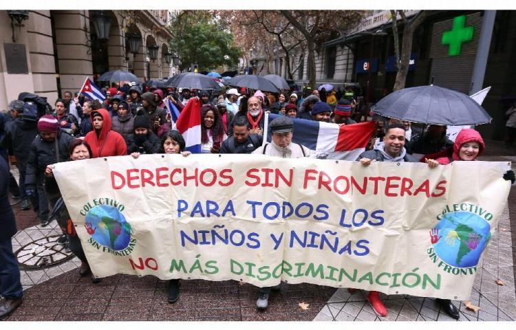 Marchan en Chile para exigir mejor trato a migrantes
