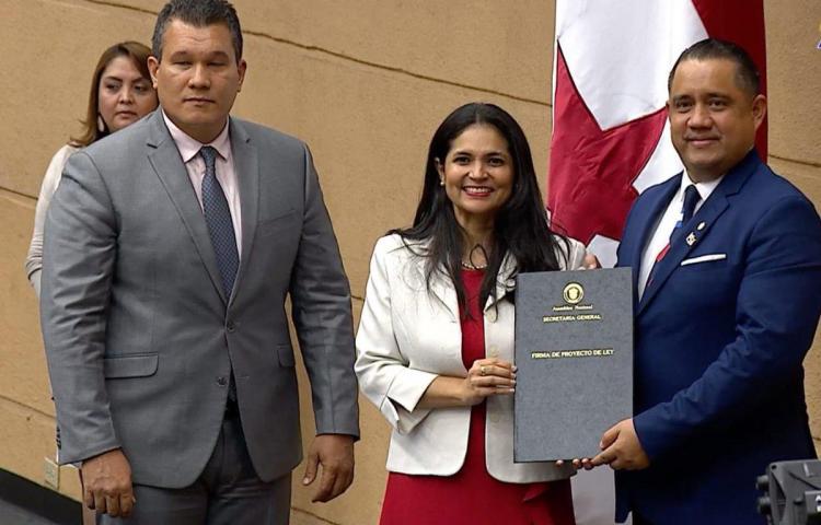 AN ratifica a la nueva directora de Aduanas y al administrador de ASEP
