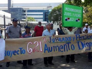 Jubilados piden a Cortizo un nuevo ajuste en pensiones