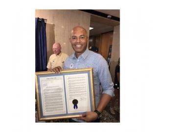 Ciudad de New Rochelle realiza desfile en honor a Mariano Rivera