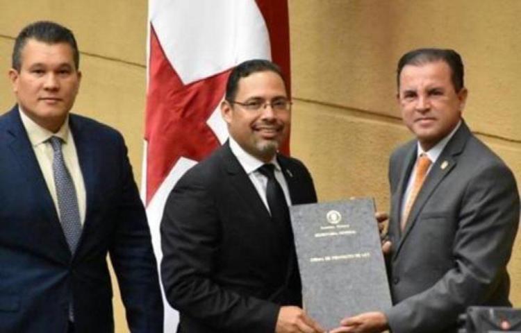 'Encontré Panamá Pacífico estancada económicamente'