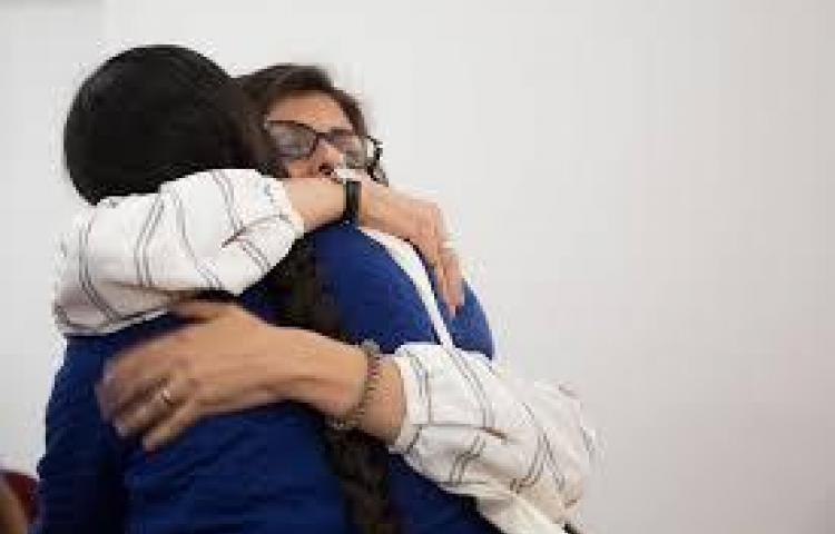 Organizaciones que componen el EIF lanzaron campaña 'Abrazo Feminista'