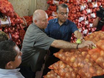 Arriban al país los primeros 44 mil quintales con cebolla