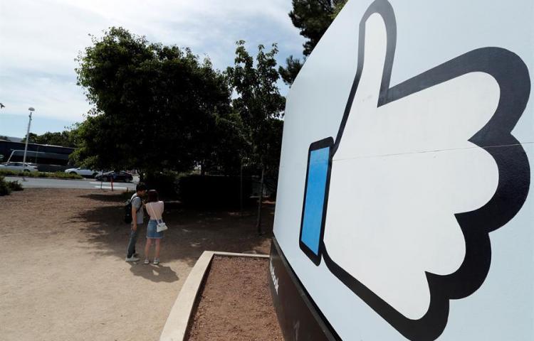 Facebook trabaja en algoritmo para revisar mensajes de Whatsapp