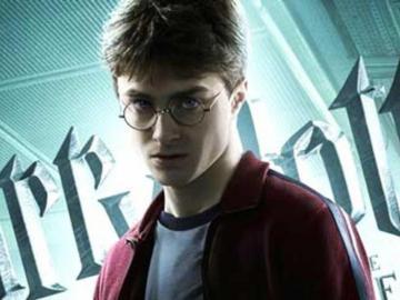 Harry James Potter cumple, llega a 39 años