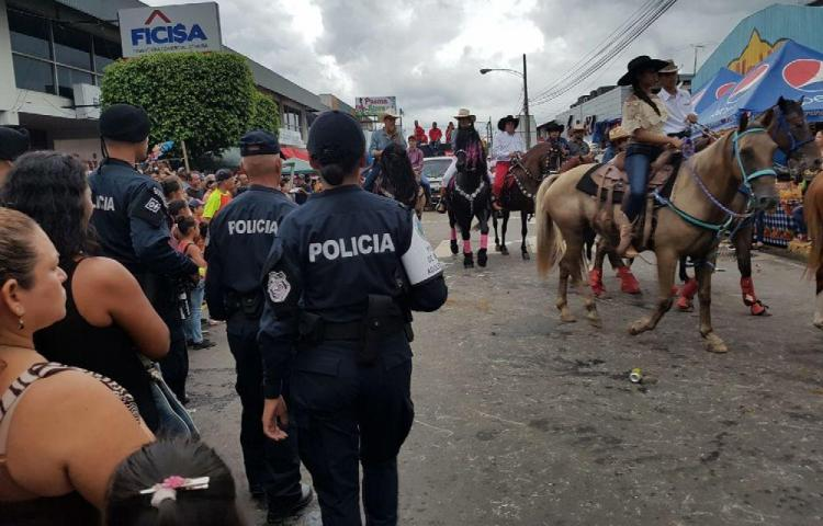 Arrancan con todo las patronales en Santiago. Hay mucha seguridad