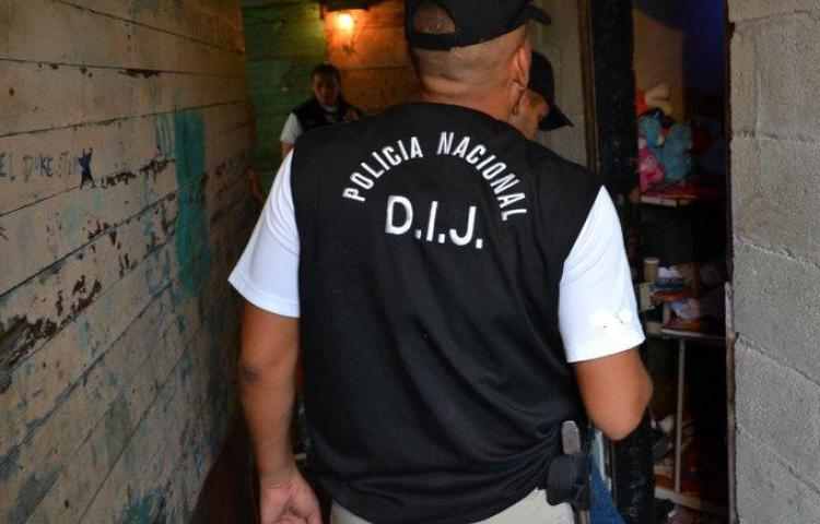 Hieren a policía tras operativo en El Chorrillo