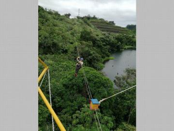 Canopy, una experiencia entre el cielo y el lago Gatún