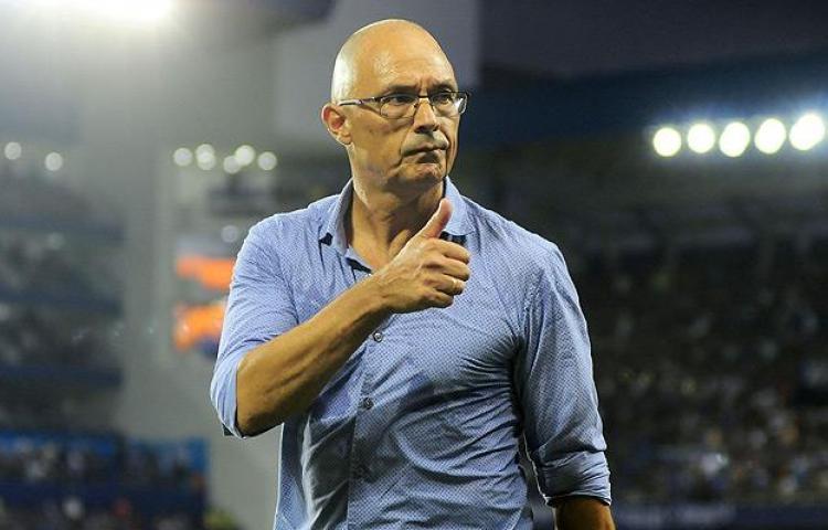 Universidad de Chile despide al técnico uruguayo Alfredo Arias