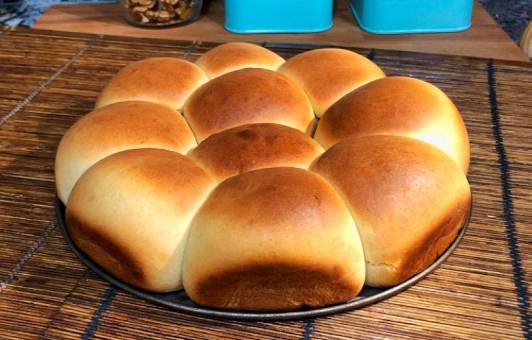 Es hora de hacer pan de leche tierno y esponjoso