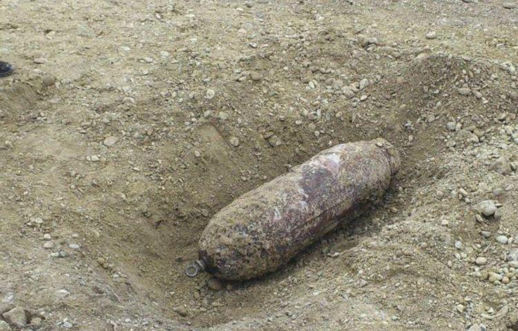 Investigan si bomba de la II Guerra Mundial causó dos muertos en Polonia