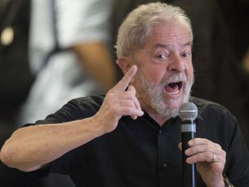 La Corte acata pedido de Lula y suspende su traslado a Sao Paulo