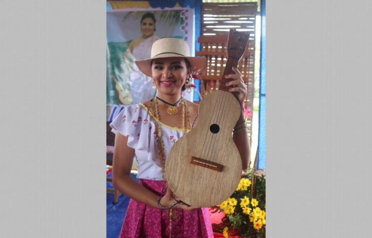 Anamaría Pathloba Ruiz Cruz, es la princesa de Ocú Manito