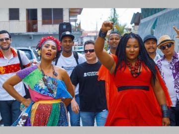 Agrupación Afrodisíaco rumbo a Colombia!