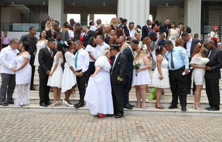 Matrimonio masivo por los 500 años de la ciudad de Panamá
