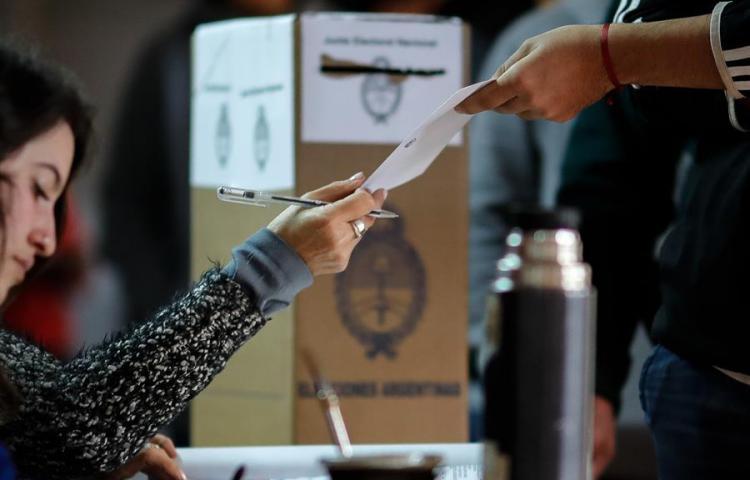 """Argentina espera la """"radiografía"""" de las primarias para definir su futuro"""