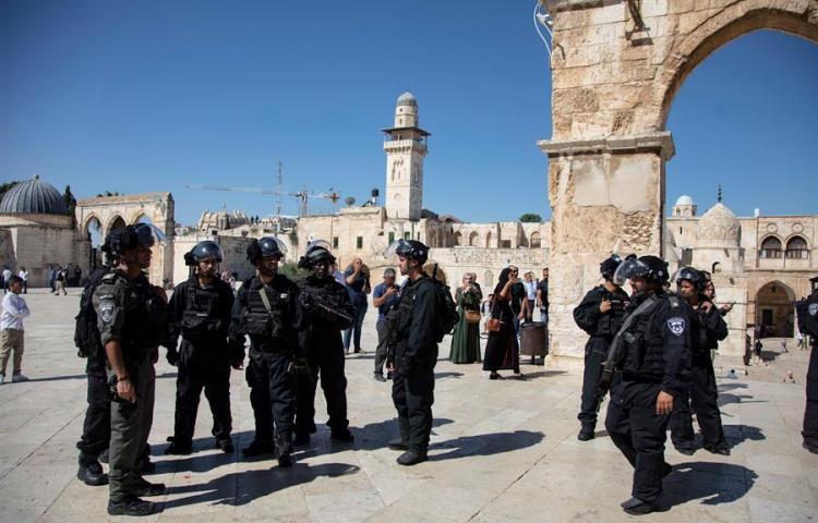 Festivo musulmán y judío teñido de violencia tras choques en Jerusalén